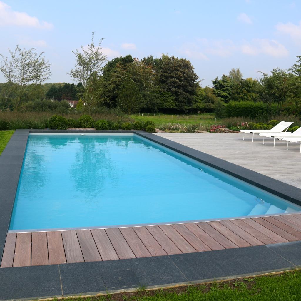 Construction piscine le petit baigneur for Piscine bac